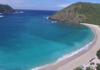 Telusuri Keindahan Pantai Mawun Lombok